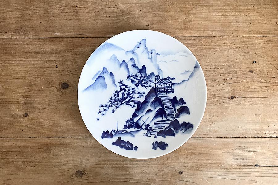 Paysage-chinois-Peinture-Bleu-de-Sevres-sur-porcelaine-Valerie-LAudier-Otsuki-Sama